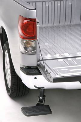 Exterior Accessories - Nerf Bars/Running Boards/Steps - AMP Research - AMP Research  75305-01A