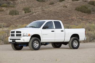 Fabtech - Fabtech 6in PERF SYS W/PERF SHKS 02-05 DODGE 1500 4WD K3000